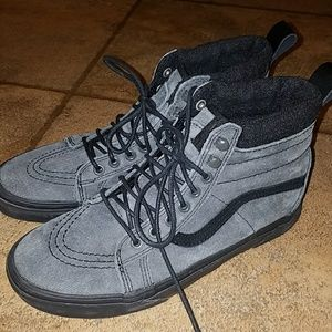 Gray/Blk corduroy Vans sz 7.5 Men/9 Women's
